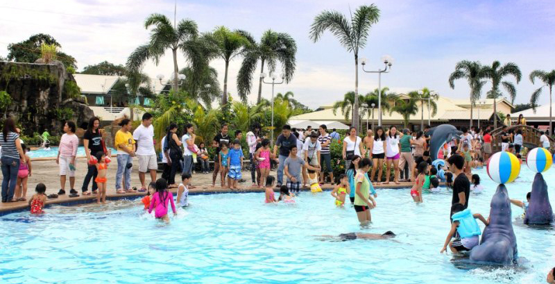 Klir Waterpark Resort is the latest Wave Pool Waterpark Resort located in Kabilang Bakood, Guiguinto Bulacan, Philippines.